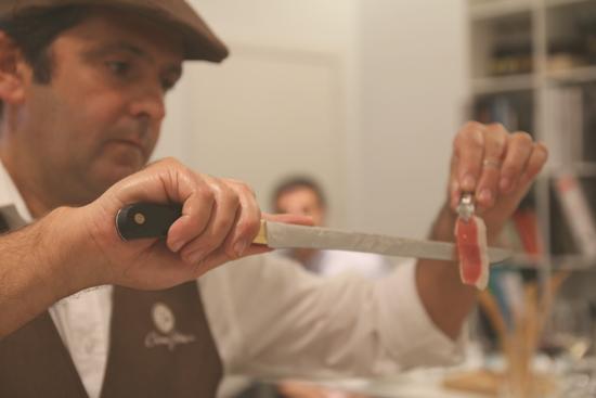 Corte de jamón Ibérico puro de bellota 5 Jotas