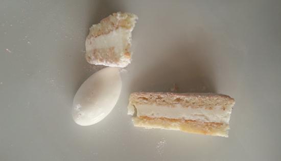 Bizcocho ruso con mantequilla de Soria y helado de miel y romero de Restaurante Baluarte (Soria)