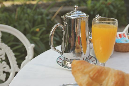Desayuno en la terraza del Hotel Zubieta en Lekeitio