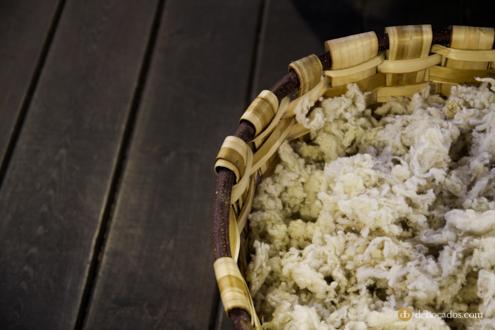 Cesto de lana virgen en la fábrica-museo Boinas La Encartada en Balmaseda (Encartaciones)
