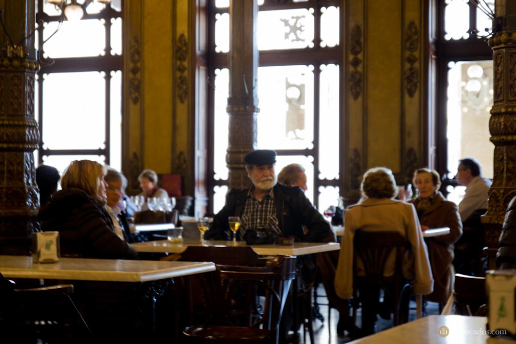 El escritor Hemingwai, un asíduo del Café Iruña.