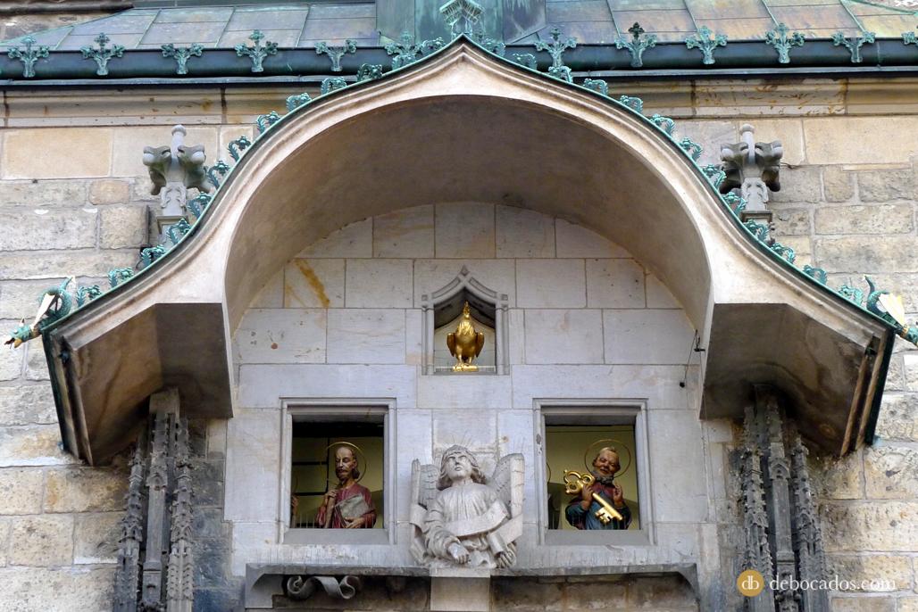 Los 12 apostoles en el Reloj Astronómico de Praga