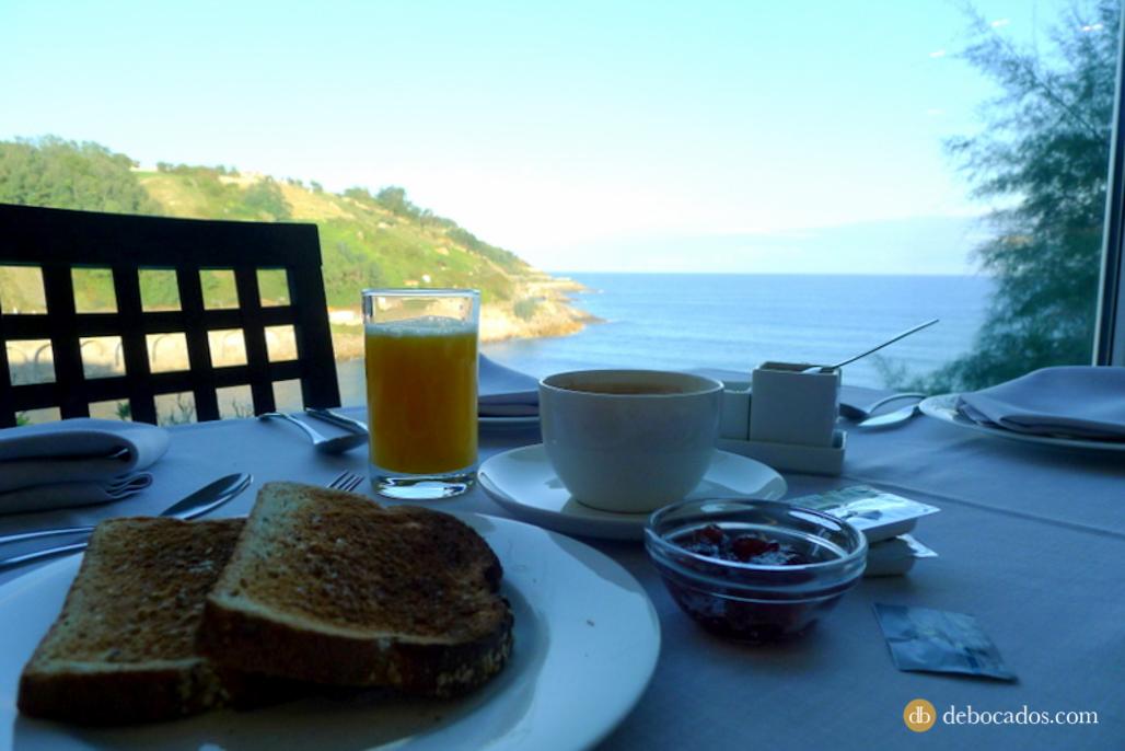 Vistas desde el comedor del Hotel Saiaz Getaria BlogTrip Urola Kosta y Debabarrena