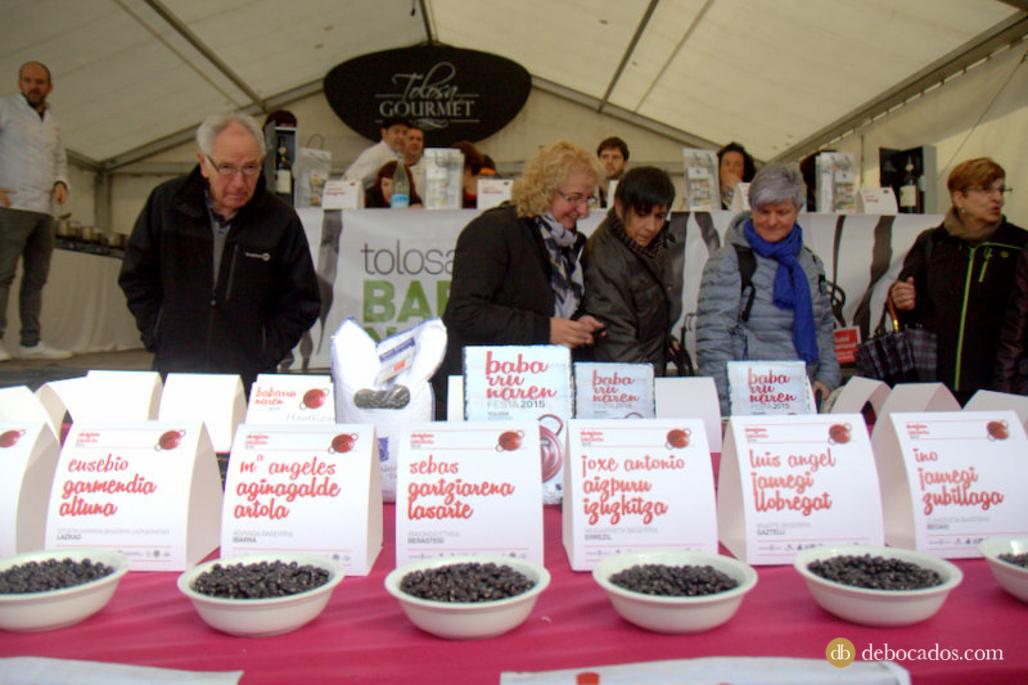 Las babarrunas a concurso en la fiesta de la alubia negra de Tolosa